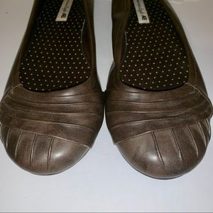 American Eagle brown ballet flats size 12
